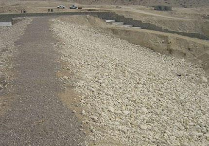 مطالعات و طراحی و نظارت بر ا حداث سد تنگ هیخ شهرستان دیر